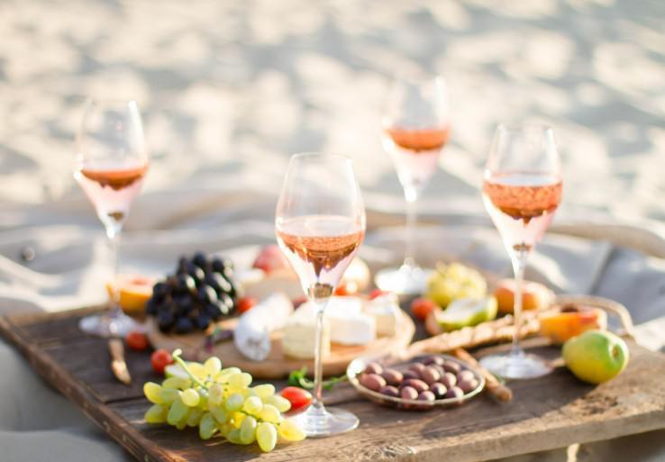 rose-wine-summer